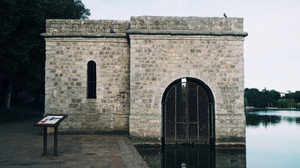 Repairs to Mote Park dam and sluice gates